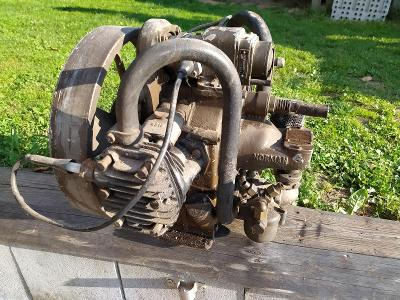 Historický stabilní motor LYON NORMAN T300, 1939 (TE887)