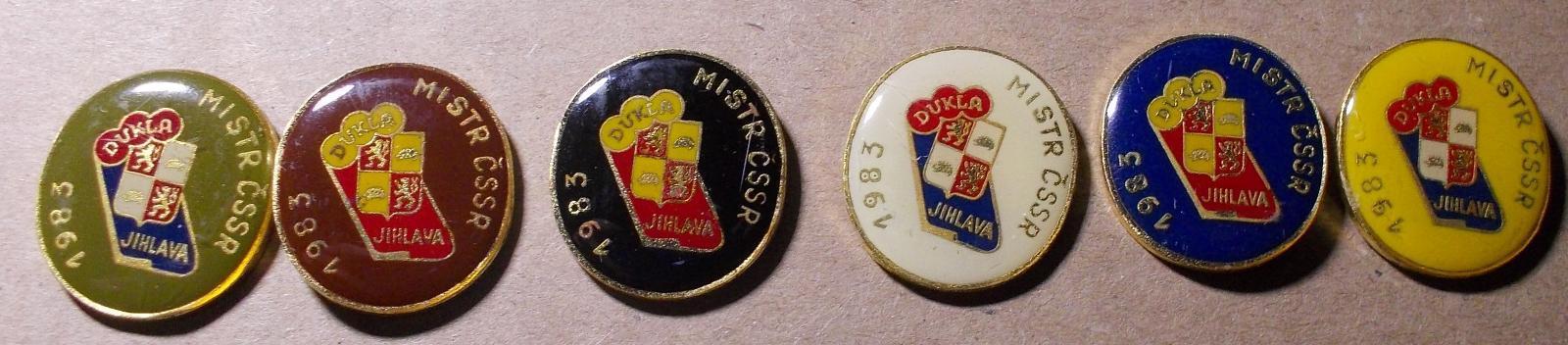 odznaky hokej Dukla Jihlava Mistr 1983 - Faleristika