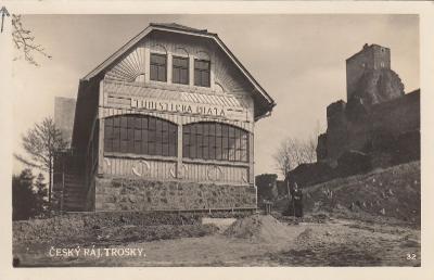 Trosky - turistická chata