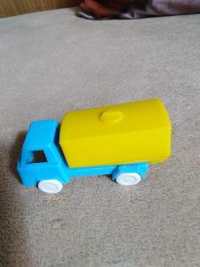 Malé plastové autíčko, výrobce SMĚR.