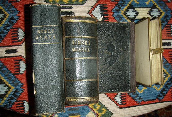 4x strará kniha bible  - Antikvariát