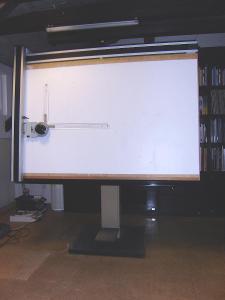 rýsovací přístroj (kovový stojan, dřevěná deska, pantograf) KINEX
