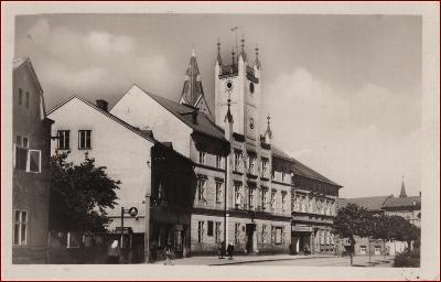 Mšeno * budova radnice, část náměstí * Mělník * M1117