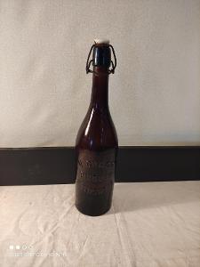 Stará pivní láhev Pivovar v Tloskově