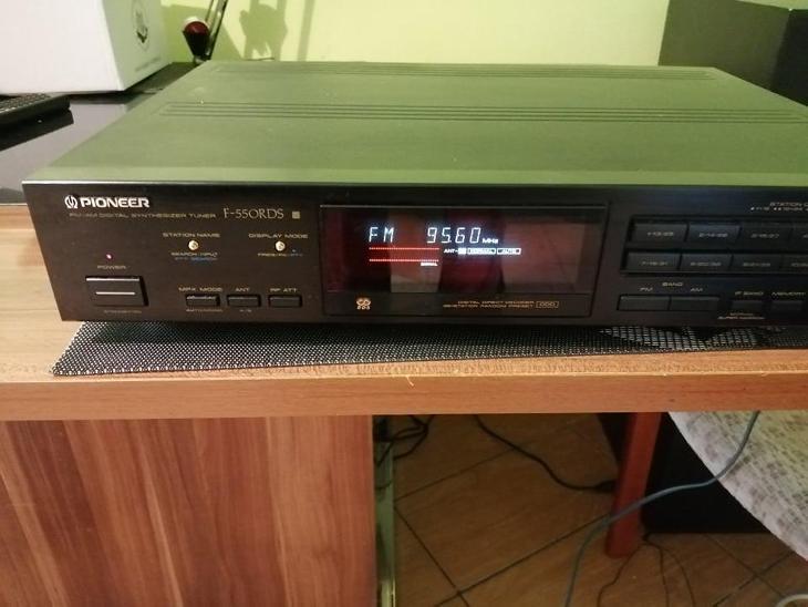 Prodam pekny kvalitni tuner-PIONEER F 550RDS - TV, audio, video