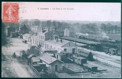 27A1025 Loudun nádraží, Francie