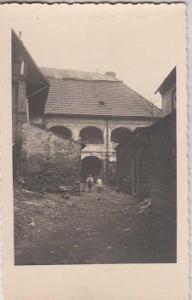 Brno starý dům dvůr