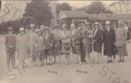 Skupina žen a mužů