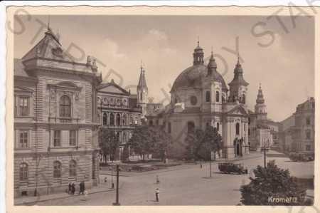 Kroměříž, náměstí a kostel sv.Jana Křtitele, foto