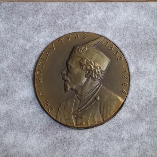 Sokol ČSR těžká medaile- Dr.Tyrš 1852-1884 60mm v originální etui R! - Faleristika