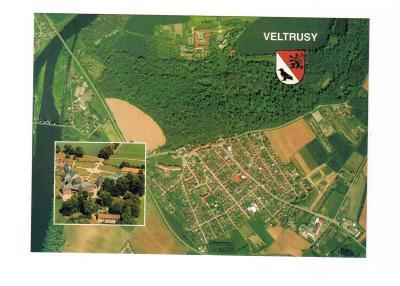 Veltrusy - okres Mělník - letecký - erb