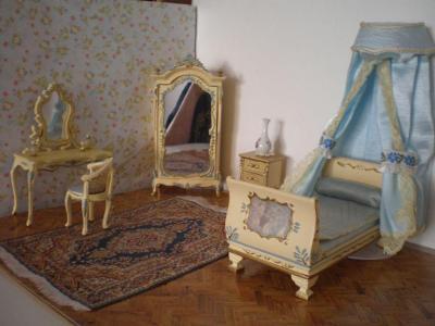 Replika rokokového pokojíčku pro panenky