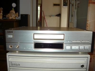 CD přehravač SONY xCDP-779 ES