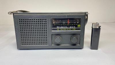 Starší rádio na N.D. SOKOL 304 Made in USSR. Nefunkční