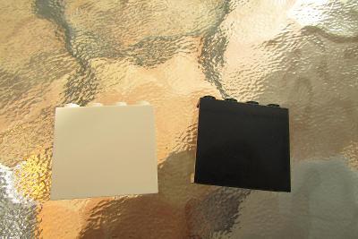 lego - 2x velká černá a bílá hladká