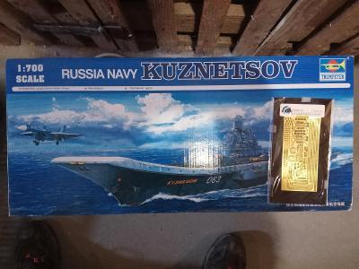 Admiral Kuznetsov 1:700