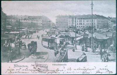 27A1084 Mnichov / München, Viktualienmarkt, tramvaje, koně, Německo