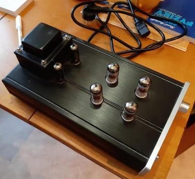 elektronkový předzesilovač Yixin audio