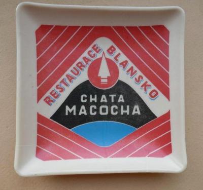 CHATA MACOCHA - RESTAURACE BLANSKO !!! podtácek - UMĚLÁ HMOTA !