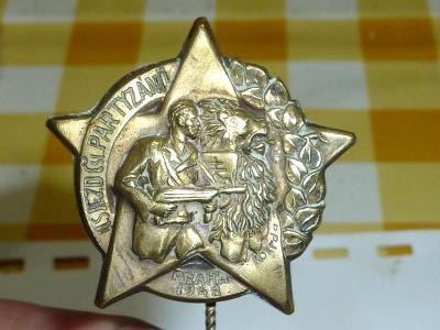 Vojenský  odznak - ČSL Partyzán  ...  mosaz