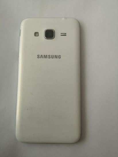 Samsung Galaxy J3 - Mobilní telefony