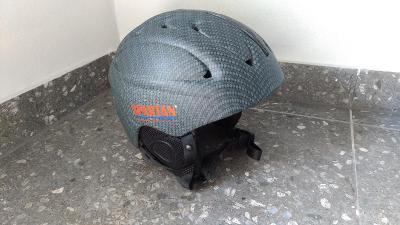 Lyžařská helma přilba vel. M #1c25
