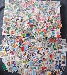 Každá jiná - poštovní známky Bundespost 620ks