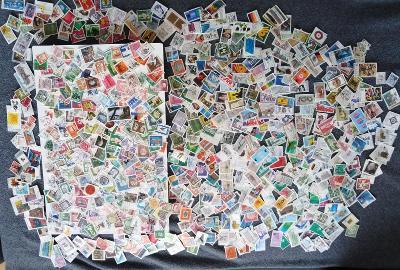 Každá jiná - poštovní známky Bundespost 777ks
