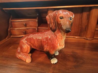 Stará nádherná porcelánová soška - Jezevčík - Zn. GOEBEL - Nepoškozená