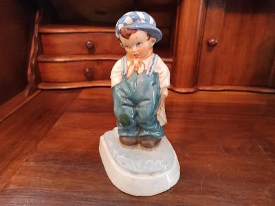 Stará nádherná porcelánová soška - Školák - Royal Dux