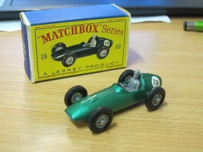 MATCHBOX - RW 19c ASTON MARTIN D8R5 RACING CARS