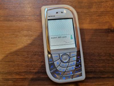 Mobil Nokia 7610, rarita, investice, vzácné, čtěte