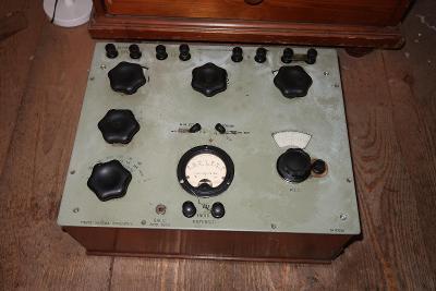 Hodně starý zajímavý přístroj firma ALLOCCHIO BACCHINI-výrobce rádií