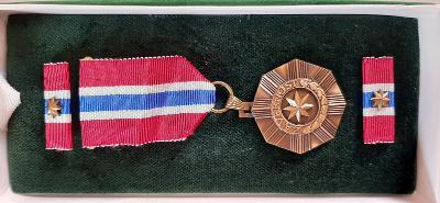 Medaile Policie ČR Za věrnost 3 stupeň bronzová