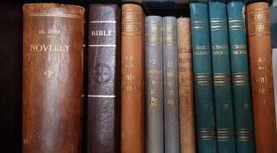 Stare knihy v dobrem stavu