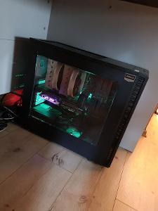 Herni PC s monitorem