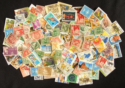 Pěkná sbírka známek Austrálie, mnoho starých!