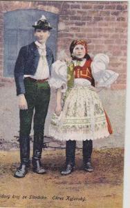 Kroje, muž se ženou - Kyjov, kolorovaná