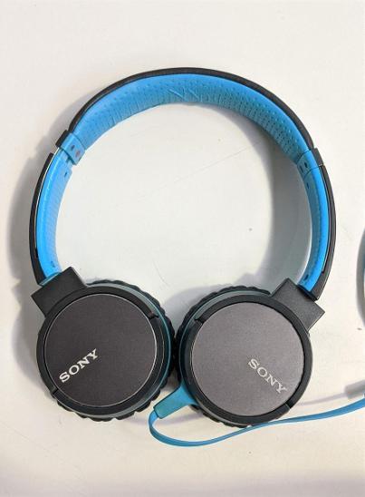 Nefunkční a pouze pro podnikatele: Sluchátka Sony MDR-ZX660APL, modrá - TV, audio, video