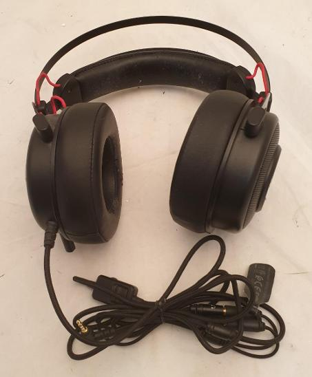 Nefunkční a pouze pro podnikatele: Herní sluchátka OMEN by HP 800 - TV, audio, video
