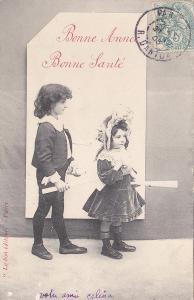 Děti, dívka a chlapec - prošlá 1905