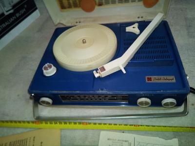 National SG-550 FL přenosný radiogramofon