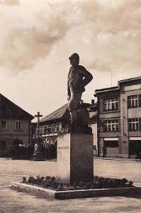 HOLICE V ČECHÁCH - POMNÍK DR.E.HOLUBA - 20-SY79