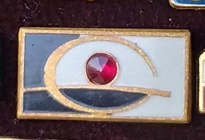 P67 Odznak Granát Turnov včetně českého granátu  rarita RR!