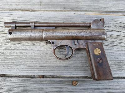 Webley Air Pistol Mark I. England made. Cca rok 1920. (4)