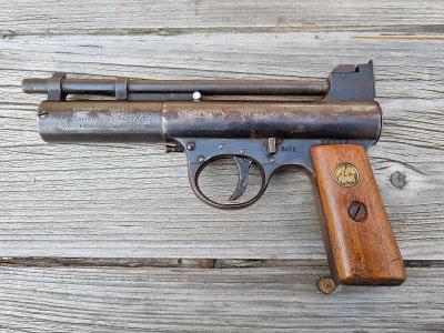 Webley Mark I. Air Pistol England made. Cca rok 1920. (6)