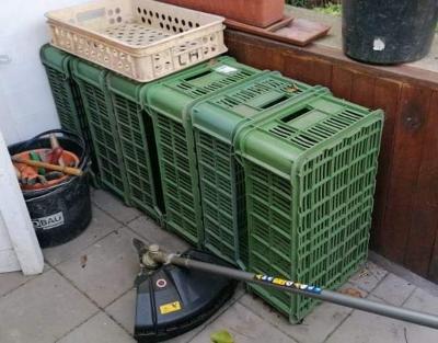 Přepravka na ovoce a zeleninu do 15 kg 6 kusů osobní odběr použité