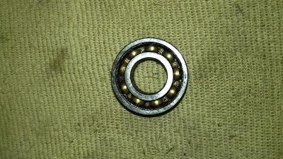 Málo jeté kuličkové ložisko 15x32x9mm 6002 vůle O.k.