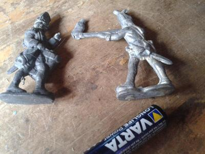 vojáčci cínoví  -viz foto