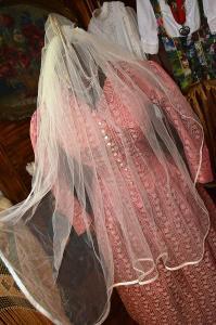 Půvabný tylový závoj s hřebínkem, svatební, svatba, nevěsta